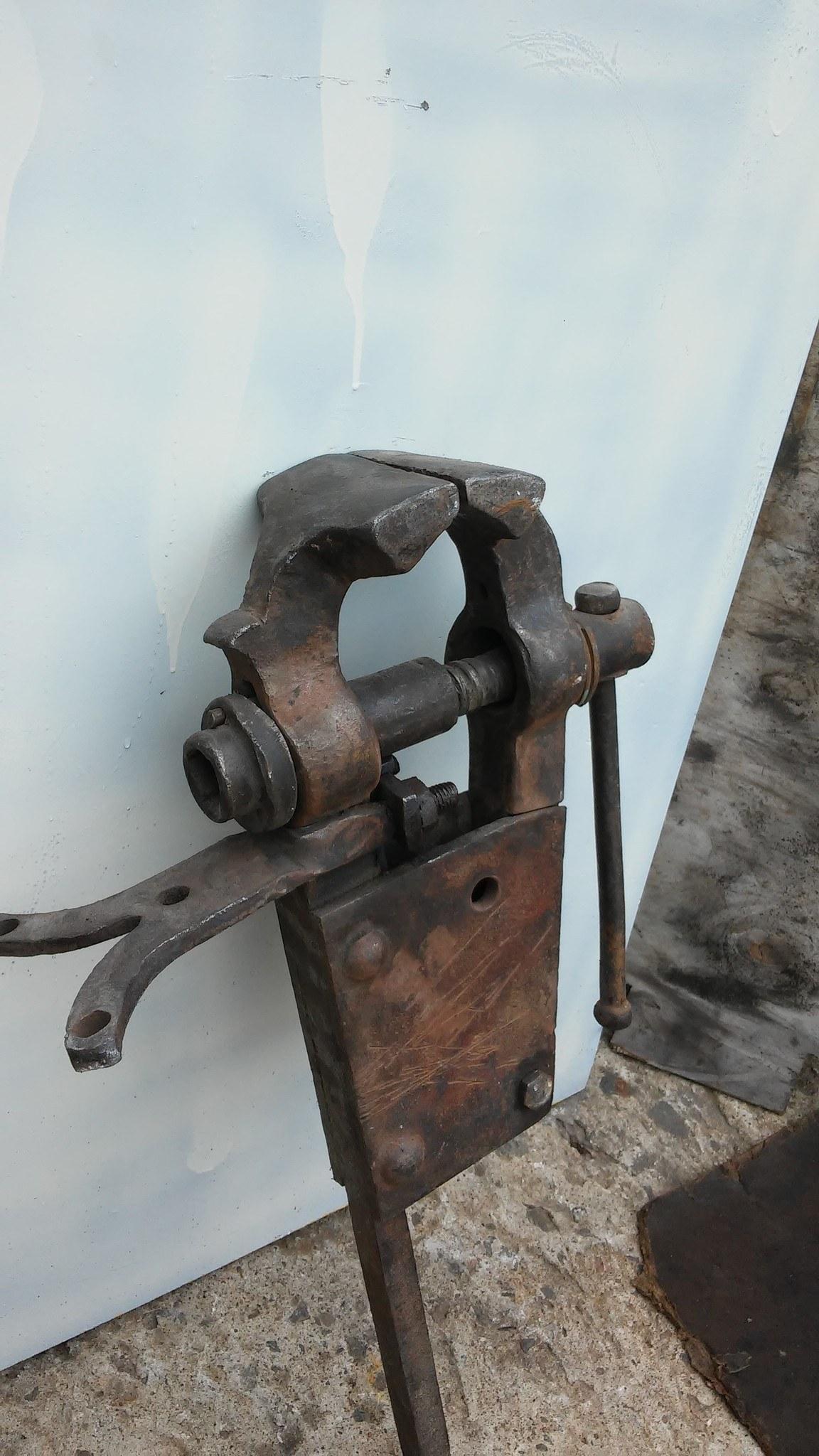 карузо один старые тиски сделанные в туле фото несколько